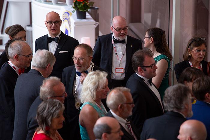 Gäste aus aller Welt werden bei der JCI Senatorenkonferenz 2018 in Karlsruhe Ettlingen empfangen