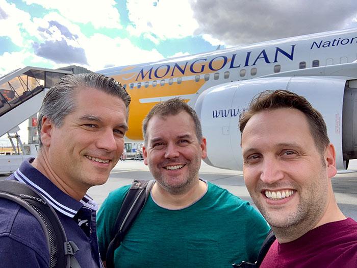 Die Wirtschaftsjunioren flogen mit MIAT Mongolian Airlines in die Mongolei zum JCI Mongolei Twinning