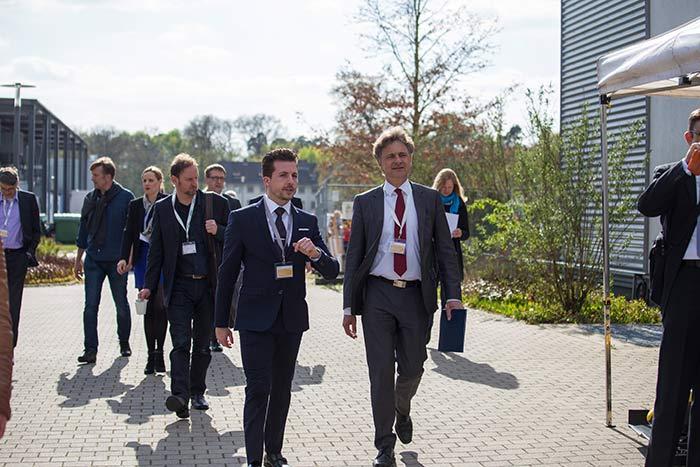 Horizonte Mobilität der Zukunft Maximilian Hillmann mit OB Frank Mentrup