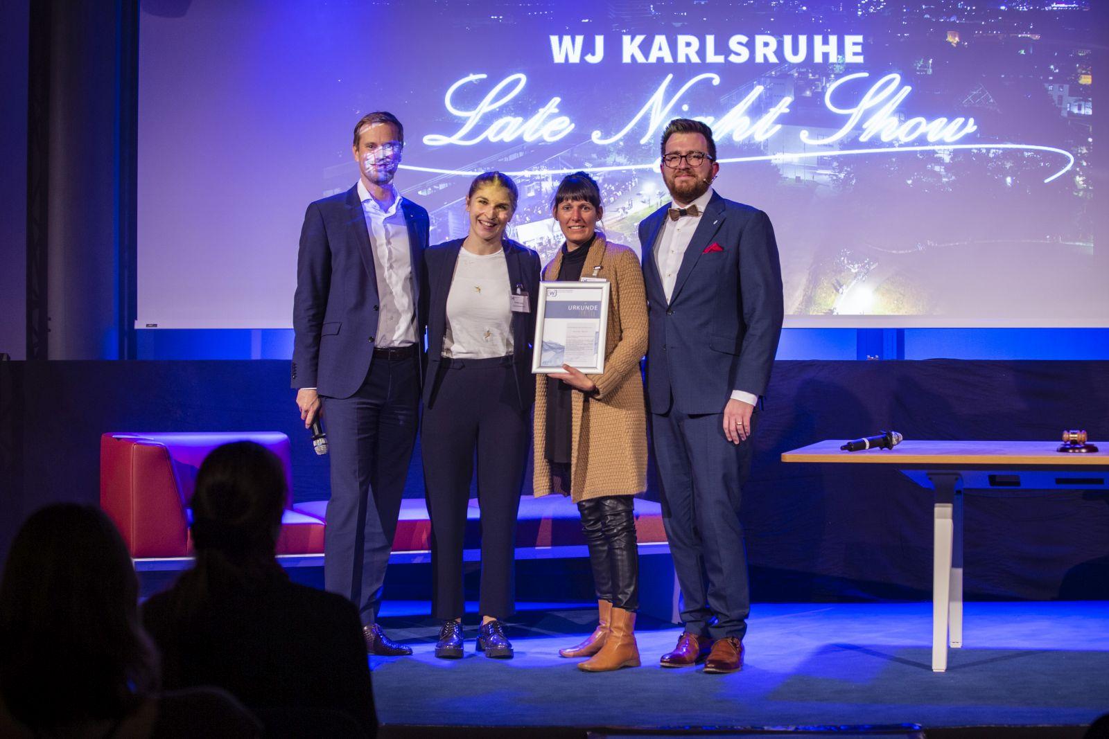JHV 2019 Jahreshauptversammlung in der IHK mit Christine Lang Daniel Stöck bei der Verleihung des Rising Star awards