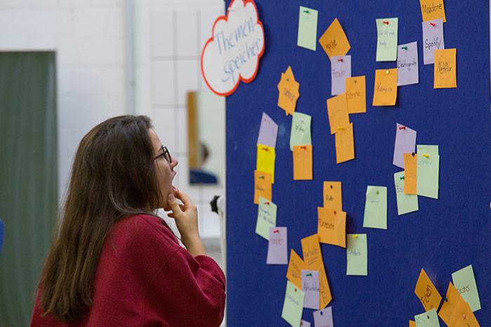 Ideensammlung der Schüler bei Plus statt Pleite in der Albert Einstein Schule Ettlingen organsiert vom AK Bildung und Wirtschaft